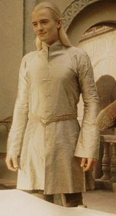wickedrum: I'd like to see Legolas more in princely clothes<--- I'd like to see legolas in less clothes <<<< DEAD XD Legolas And Thranduil, Aragorn, Gandalf, Der Hobbit Film, O Hobbit, Tolkien, Beau Film, Orlando Bloom Legolas, Lotr Elves