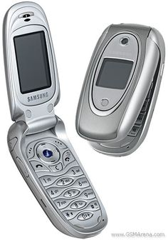 the new samsung is Old Cell Phones, Newest Cell Phones, Flip Phones, Old Phone, New Phones, Best Mobile Phone, New Mobile, Mobile Phones, Old School Phone