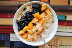 Clean Eating Vegan Kokos-Kefir mit Quinoa und Obst