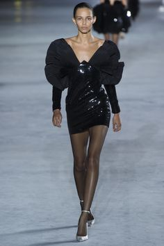 Saint Laurent Spring 2018 Ready-to-Wear  Fashion Show Collection