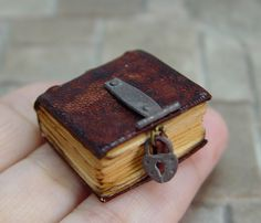 EV Miniatures Decorated Books