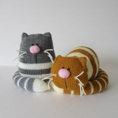 GINGER AND SMUDGE TOY CATS KNITTING PATTERNS A pair of lazy fat cats! Ginger the orange striped cat is having a little rest (well it is hard work being a cat) and he could make a sweet doorstop. Smudge is the grey sitting cat and you could use him as Knitted Cat, Knitted Animals, Knitted Dolls, Crochet Amigurumi, Crochet Toys, Knit Crochet, Knitting Projects, Crochet Projects, Sewing Projects
