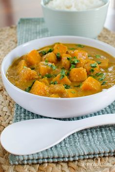 Slimming Eats Malaysian Butternut Squash Curry - gluten free, dairy free, paleo, Slimming World (SP) and Weight Watchers friendly Veggie Recipes, Indian Food Recipes, Asian Recipes, Diet Recipes, Vegetarian Recipes, Cooking Recipes, Healthy Recipes, Veggie Meals, Curry Recipes
