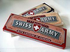 A bit of Swiss milk chocolate Swiss Chocolate, Dark Chocolate Bar, Chocolate Brands, Chocolate Art, How To Make Chocolate, Caffeine Chocolate, Swiss Style, Swiss Army, Swiss Flag