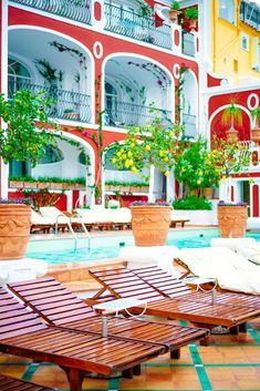 The inspirational pool at Le Sirenuse in Positano Italy, The Taste SF #pool #decor #amalficoast #positano #hotel #travel