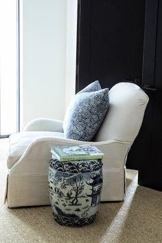 If I ever wound up in Australia, the first place I would run to visit would be a chic designer showroom on Edgecliff Road in Sydney, near Bo...