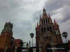 San Miguel de Allende nublado  Foto: Antonieta Herrera Rubio #SanMigueldeAllende #Lluvia#Nublado #Parroquia #SanMiguelArcangel #Periodista #Fotofrafa