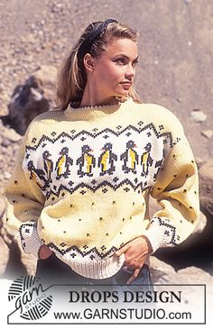 """Penguin Parade / DROPS - DROPS jumper with penguin pattern borders in """"Alaska"""". Animal Knitting Patterns, Sweater Knitting Patterns, Scarf Patterns, Crochet Patterns, Finger Knitting, Easy Knitting, Drops Design, Mens Knitted Scarf, Knit Cowl"""