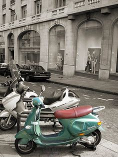 What a cool picture..love Vespas! #Vespa? yes. @Lindsay Dillon Dillon Hoyt