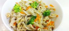CHEESY CARROT & BROCCOLI PASTA: Toddlers love pasta, so often this is a great way to introduce other healthy flavours and textures in a non-confronting way. This pasta can be pick 'n' mixed to include whatever you have in the fridge #onehandedcooks