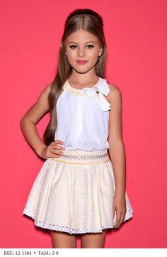 Lila Baby e Cia Moda Infantil Little Girl Outfits, Cute Outfits For Kids, Cute Summer Outfits, Cute Young Girl, Cute Baby Girl, Lila Baby, Girls Dresses, Flower Girl Dresses, Kids Fashion