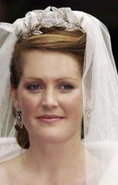 Lady Tamara Grosvenor wearing the Faberge Myrtle Wreath Tiara for her wedding to Edward van Cutsem.
