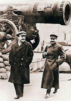 Soviet Art, Soviet Union, Joseph Stalin, Communism, Rare Photos, Wolves, World War, Swan, Revolution