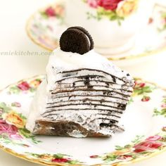 Hello, everyone.Here goes a delectable Oreo mille crepe cake for Oreo fans. 'Mille' means thousand in French. It's not 1000 but this incredible cake has many layers of very thin crepe with vanilla whipped cream and Oreo cookie crumbles in between. There is no reason to hesitate. It is no-bake, easy, and Oreo! Happy …