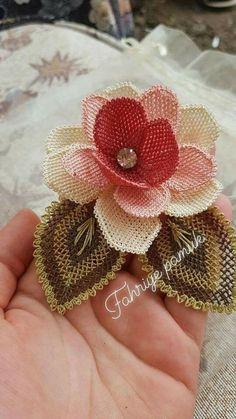 Handmade Flowers, Diy Flowers, Crochet Flowers, Fabric Flowers, Burlap Crafts, Diy And Crafts, Cross Stitch Flowers, Cross Stitch Patterns, Henne Tattoo