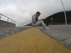 Sur de Chile :) #street #Chile #converse #jeans #gap
