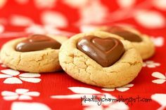 My kids just raved about these cookies and couldn't stop saying 'mmmm' while they ate them. What You'll Need: - 1 Bag Milk Chocolate candy h. Yummy Treats, Delicious Desserts, Sweet Treats, Yummy Food, Holiday Treats, Holiday Recipes, Valentine Recipes, Holiday Fun, Cupcakes
