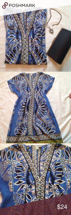 "Banana Republic Dress Beautiful Dress by Banana Republic. V-neck kimono sleeves.  100% silk. Vibrant colors. Thin and light  Gathered with elastic in the back waist area. Approx Measurements Bust 18"" Length 33"" Banana Republic Dresses Mini"