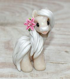 Genuine and original polymer clay sculpture designed and handmade with love by Elisabete Santos Polymer Clay Kawaii, Polymer Clay Dragon, Polymer Clay Animals, Polymer Clay Charms, Polymer Clay Art, Polymer Clay Sculptures, Polymer Clay Creations, Sculpture Clay, Clay Projects