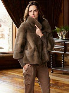 My Style: Lina Coat, Simonetta Ravizza. Fur Fashion, Winter Fashion, Fashion Outfits, Womens Fashion, Winter Outfits, Cool Outfits, Mink Jacket, Mode Mantel, Fabulous Furs