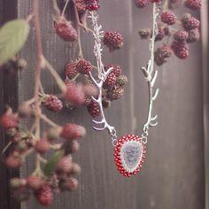 "\""Paroháček malinový\"" - Náhrdelník Crochet Earrings, Beads, Jewelry, Beading, Jewlery, Jewels, Bead, Jewerly, Jewelery"