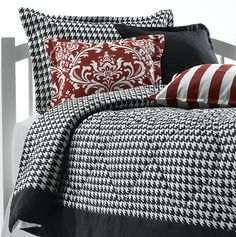 This Black and White Houndstooth Dorm Bedding by American Made Dorm & Home is such a classic look! You have all the freedom to pair it with whatever accent color you desire! Try it with our chartreuse green or citrus yellow accent pillows!