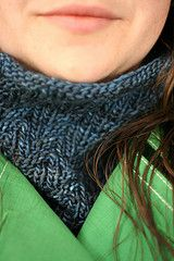 Darkside Cowl: this free pattern is addictive and a great way to use that precious one skein of worsted weight yarn.