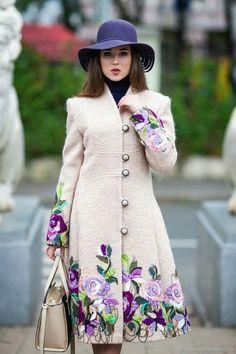 Embroidery Fashion, Embroidery Dress, Hijab Fashion, Fashion Dresses, Hand Painted Dress, Iranian Women Fashion, Looks Chic, Embroidered Clothes, Coat Dress