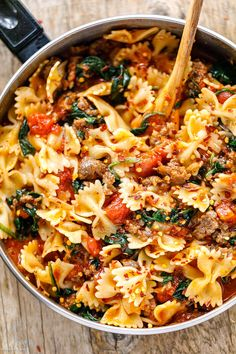 Tomato Spinach Sausage Pasta - - With only 30 minutes. Tomato Spinach Sausage Pasta - - With only 30 minutes of total work, this sausage pasta dinner recipe is simple, fast and delicious! Sausage Pasta Recipes, Best Pasta Recipes, Cooking Recipes, Recipe Pasta, Tomato Recipe, Recipes Dinner, Snack Recipes, Snacks, Spinach Sausage Pasta