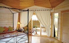 Kuredu Island Resort - Lhaviyani-Atoll - buchen bei DERTOUR Kuredu Island, Spa, Island Resort, Beautiful Places In The World, Hotels, Board, Travel, Home Decor, Maldives