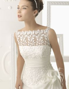 Thanksgiving / Fall Wedding Dress - Leaf Lace <3