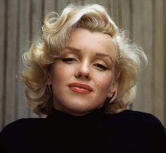 1953 Marilyn Monroe Alfred Eisenstaedt Great straight on head shot.