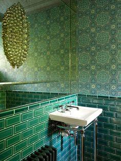 Baños de estilo ecléctico de Amory Brown Ltd