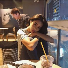 @̶s̶i̶l̶v̶e̶r̶x̶s̶t̶a̶r̶r̶ ̶ Pretty Korean Girls, Cute Korean Girl, Asian Girl, Girl Bad, Uzzlang Girl, Korean Aesthetic, Aesthetic Girl, Foto Casual, Ulzzang Korean Girl