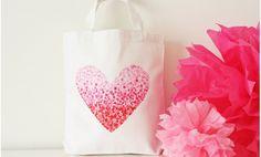 Sencillo bolso con corazón para San Valentín