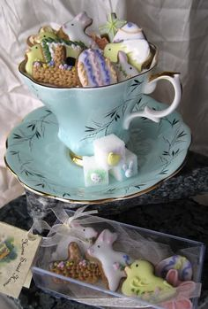 Darling tea cookies and sugar cubes for Easter