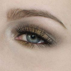 Blue Eyes: Metallic Gold Holiday Party-Inspired Look
