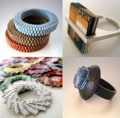 Bijuterias feitas de papel e plastico
