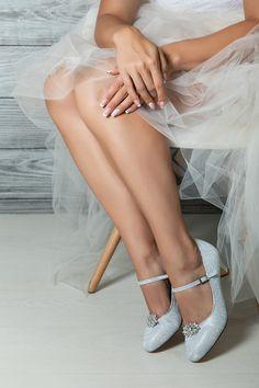 #westerleigh #brautschuhe #schuhclips #brautmodentirol #tirolerbraut #brautkleid #traumhochzeit #tanzschuhe #brautaccessoires #heiraten #hochzeit #hochzeitskleid Wedding, Shoes, Fashion, Dancing Shoes, Getting Married, Marriage Dress, Bridle Dress, Valentines Day Weddings, Moda