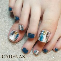 Marble toe nails, nail art design for summer Beach Toe Nails, Cute Toe Nails, Summer Toe Nails, Toe Nail Art, Love Nails, Pretty Nails, Pedicure Designs, Toe Nail Designs, Nails Design
