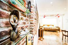 https://www.airbnb.de/rooms/2557763?guests=9