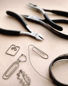 Paper Clip Charms - Martha Stewart Accessories. Use 20 gauge wire.
