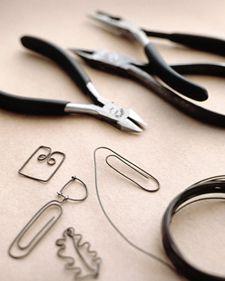 Paper Clip Charms - Martha Stewart Accessories. Use 20 gauge wire.