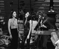 entertainers-rita-coolidge-cher-and-kris-kristofferson-on-the-carol-picture-id98484259 (1024×854)