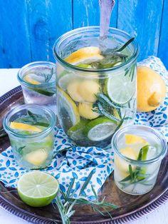 Citrus - Mango Spritz mit Rosmarin.
