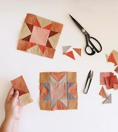 Mar 29, 2019 - This Pin was discovered by Jordan Baker. Discover (and save!) your own Pins on Pinterest Patch Quilt, Quilt Blocks, Quilt Patterns, Sewing Patterns, Sewing Crafts, Sewing Projects, Star Quilts, Quilt Making, Creations
