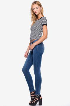 Джинсы Размеры: 1/2, 3/4, 5/6, 7/8, 9/10, 11/12, 13/14 Цвет: голубой, синий, белый Цена: 1802 руб.     #одежда #женщинам #джинсы #коопт