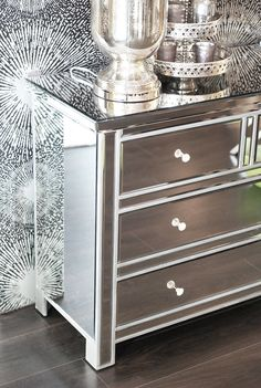 - verspiegelte Kommode mit Umrandung, silber - PURE VELVET - Interior & Home Decoration