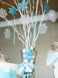 FROZEN PARTY Decorations - Centerpieces - Ideas