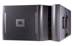 Le système de diffusion VRX932LA est extrêmement léger et compact (22 kg). Il est constitué d'un haut-parleur de 12'' et de 3 moteurs à chambre de compression de 1'' chargé par un guide d'onde.
